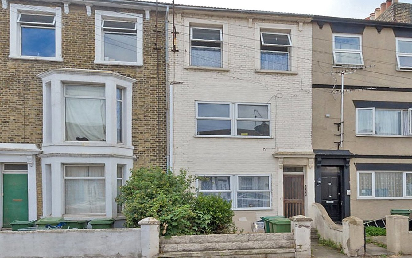 Flat 2 49 Alma Road, Sheerness, Kent, ME12, 4040, image-1 - Quealy & Co