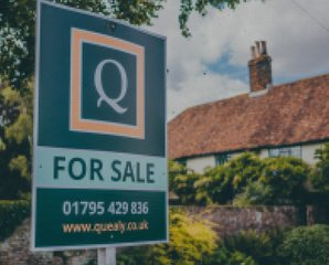 Sell or let your property for sale board quealy - Quealy & Co