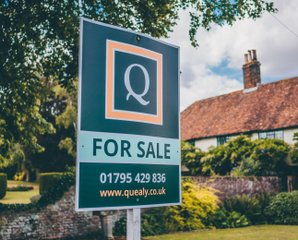 Guide to buying a property - Quealy & Co